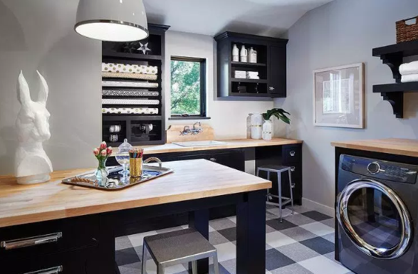 Contrast-themed Laundry Room